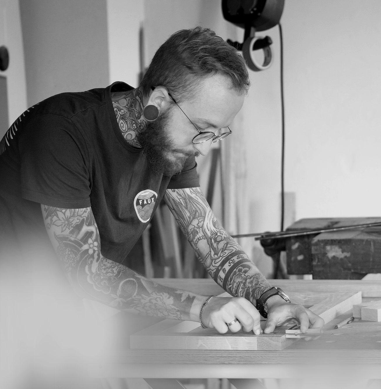 Jonas Winkler bei der Arbeit mit der Promaster Tough